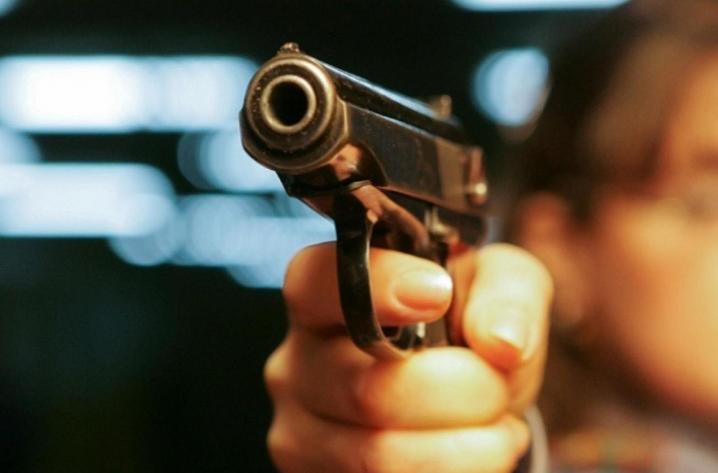 Стрілянина на зупинці у Ковелі: з'явилося відео затримання підозрюваного