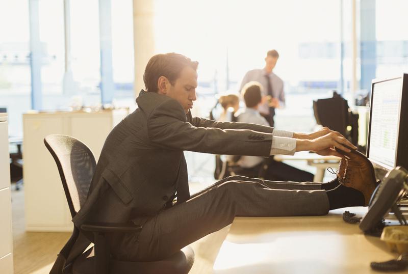 Волинські медики пояснили, чим небезпечна сидяча робота