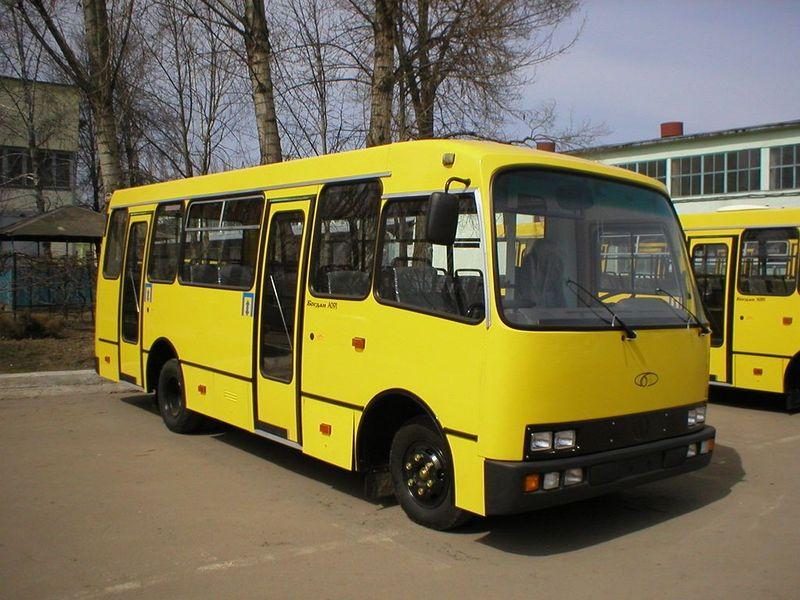 У Луцьку перевізників хочуть штрафувати за запізнення і відсутність автобусів