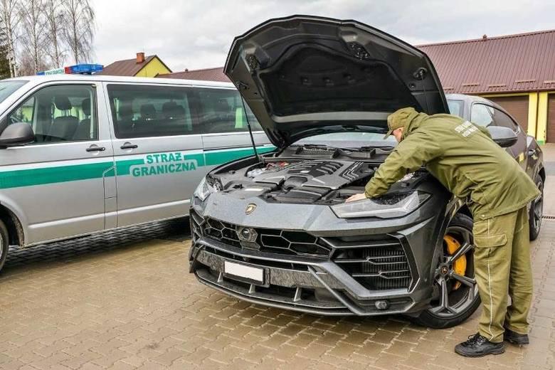 На Волинь везли крадене авто за 10 мільйонів гривень. ФОТО