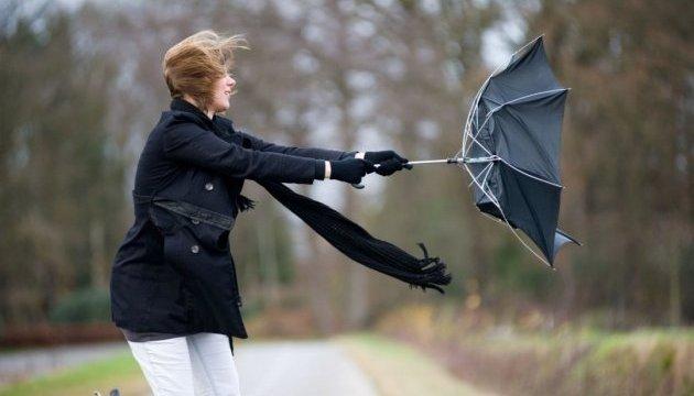 Волинян попереджають про штормовий вітер