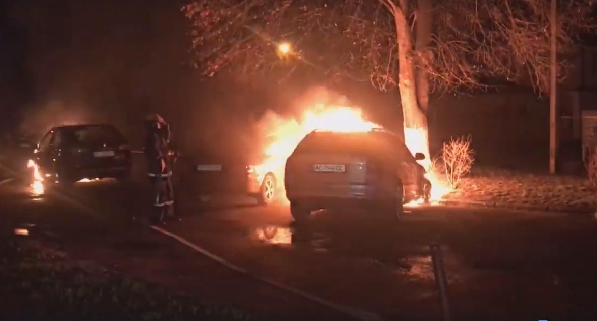 Савченко прокоментував нічний підпал автомобілів у Луцьку