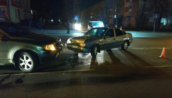 Аварія у Луцьку: п'яний екс-міліціонер виїхав на зустрічну смугу