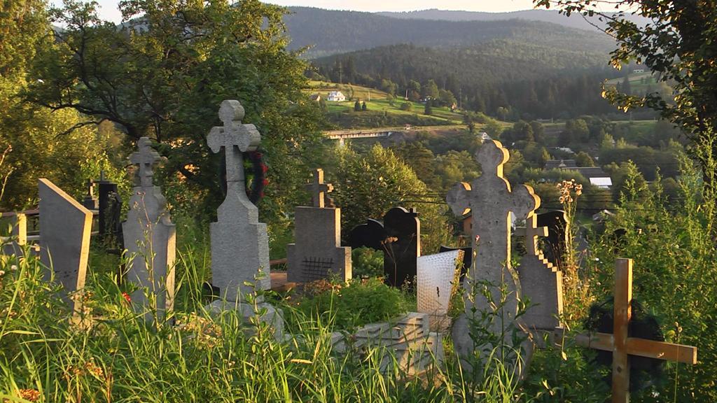 На волинському кладовищі покрали пам'ятники