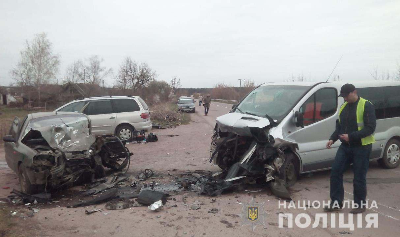 Легковик виїхав на зустрічну: в поліції прокоментували смертельну аварію на Волині. ФОТО