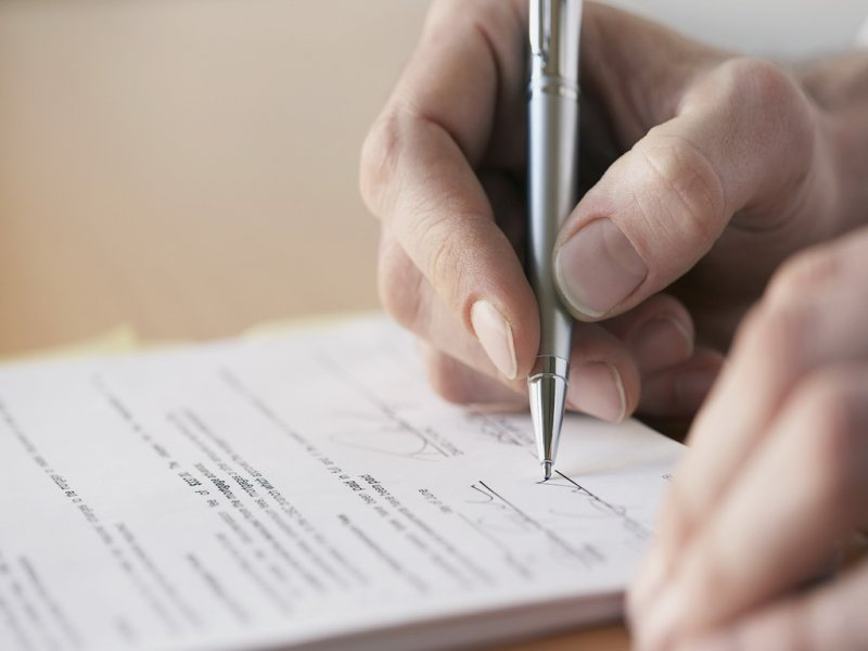 Волинського патрульного підозрюють у підробці документів