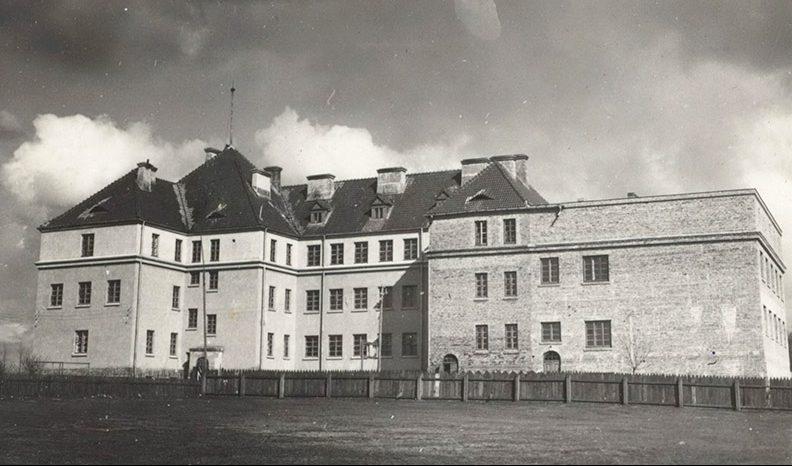 Як виглядали школи Луцька сто років тому. РЕТРОФОТО