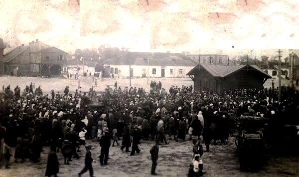 Ринок на Волині майже 100 років тому. РЕТРОФОТО