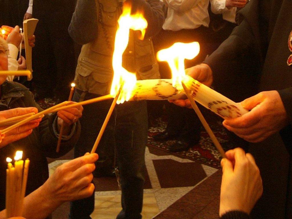 До Луцька привезли Благодатний вогонь з Єрусалиму. ВІДЕО