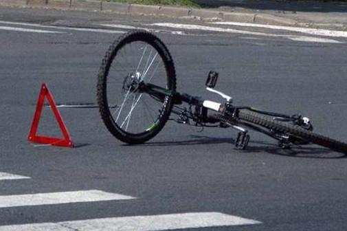 Під Луцьком автомобіль збив 10-річну велосипедистку