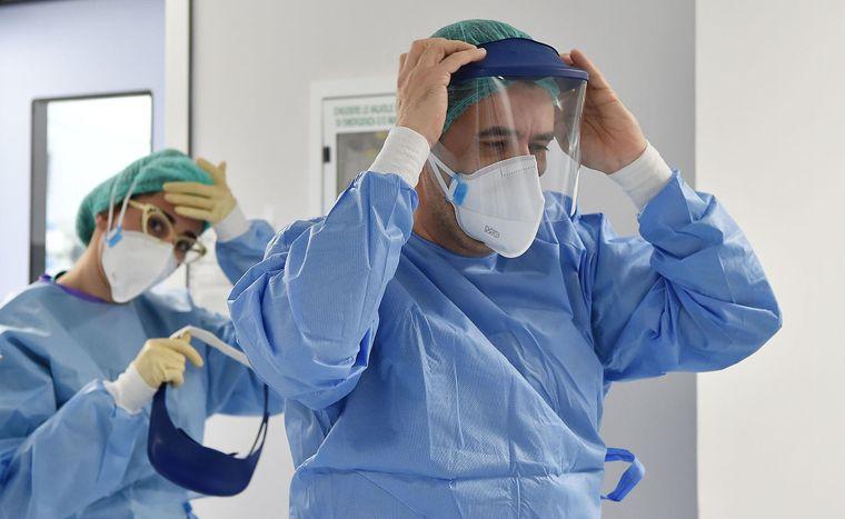 Українських медиків відправляють в Італію