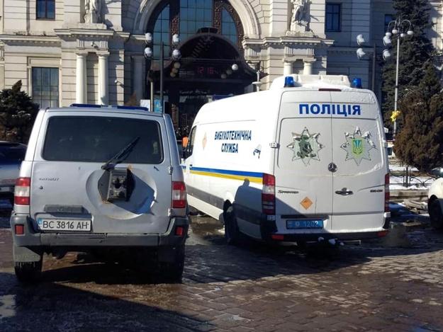 """Не тільки в Луцьку: ще один обласний центр накрило хвилею """"замінувань"""""""
