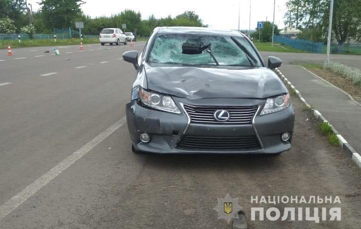 У Луцькому районі «Lexus» на смерть збив велосипедиста. ФОТО