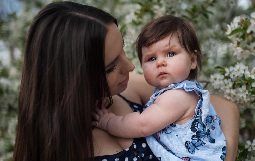 Луцька модель вперше показала світлини з донечкою. ФОТО