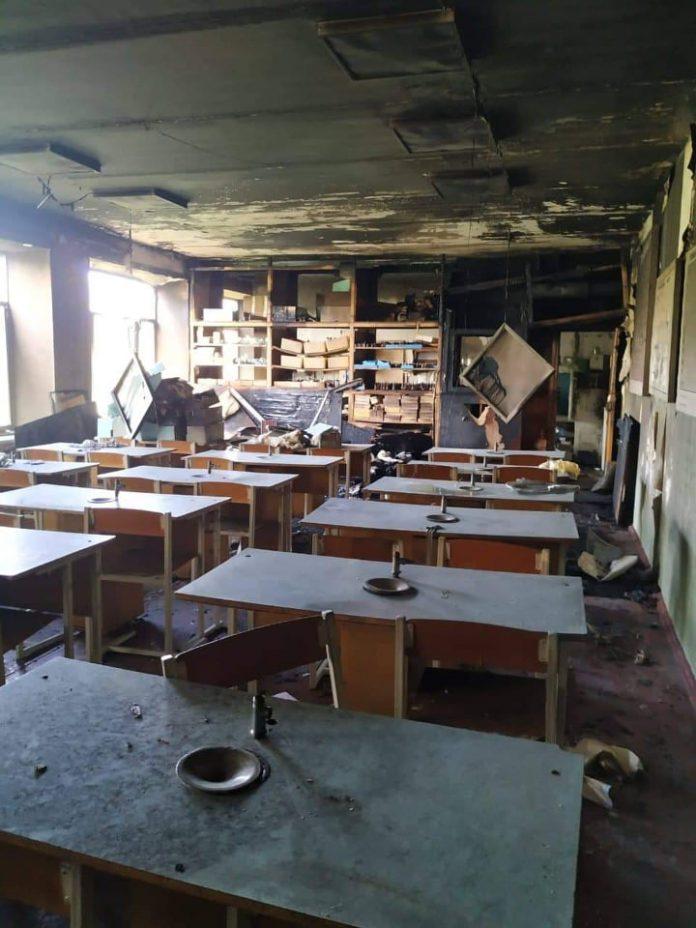 Пожежа у нововолинській школі: згорів кабінет хімії. ФОТО