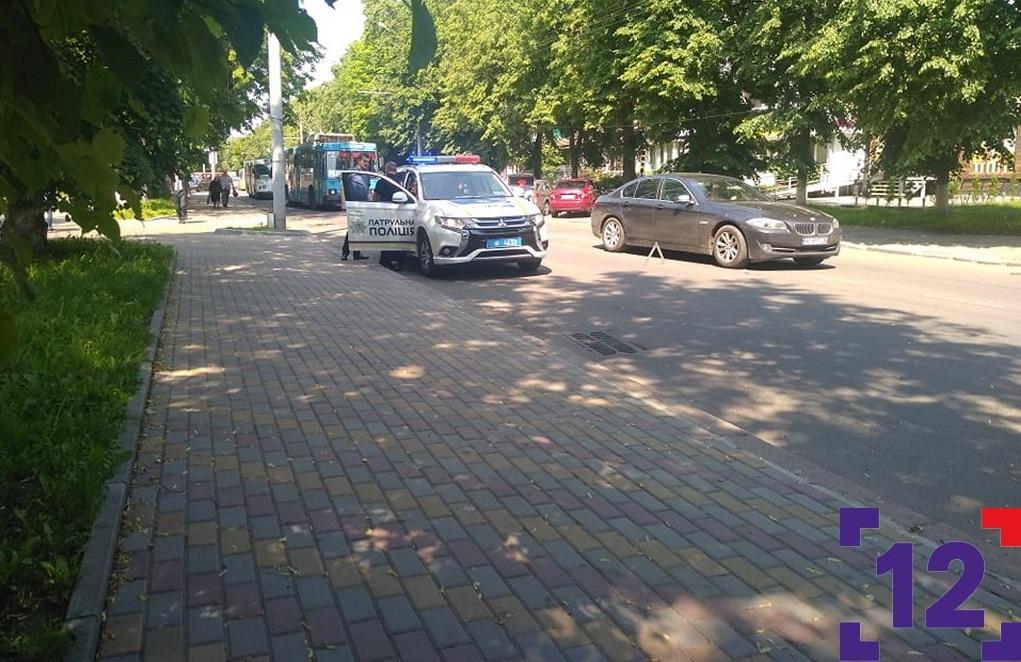 На пішохідному переході у центрі Луцька збили жінку