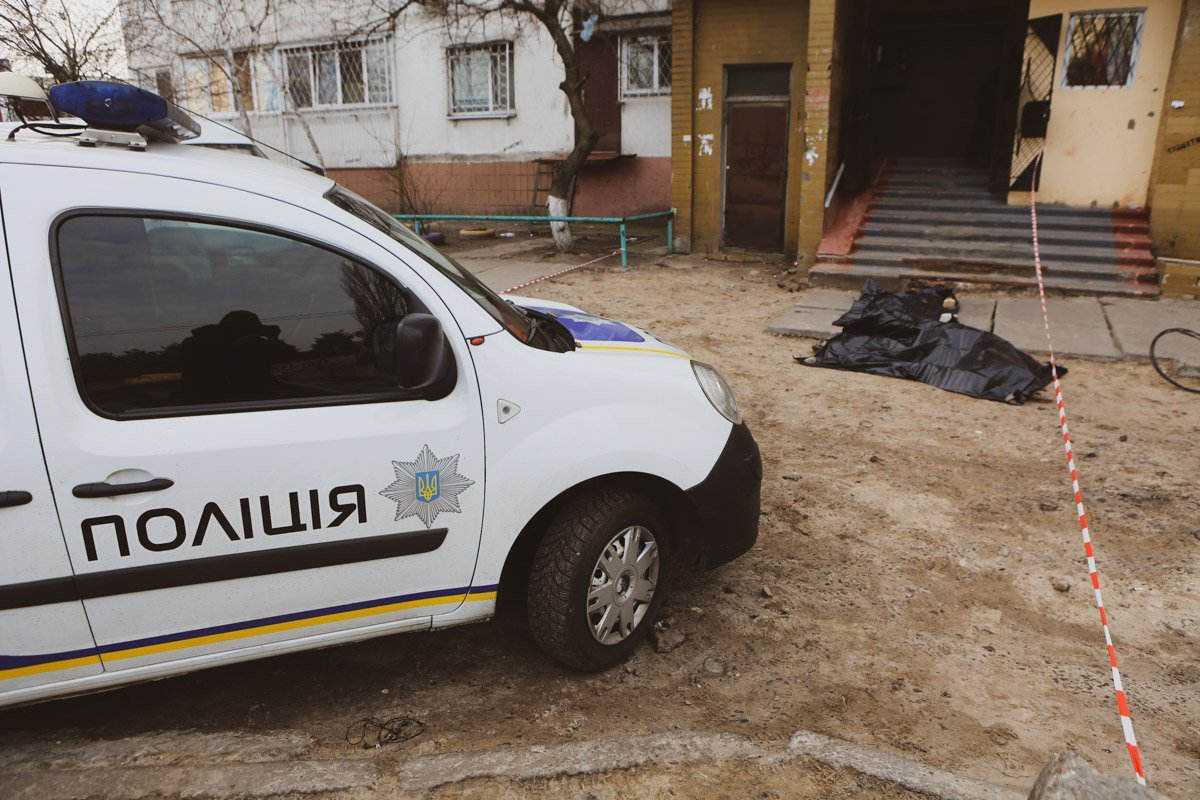 Моторошна знахідка: у селі на Волині виявили труп чоловіка