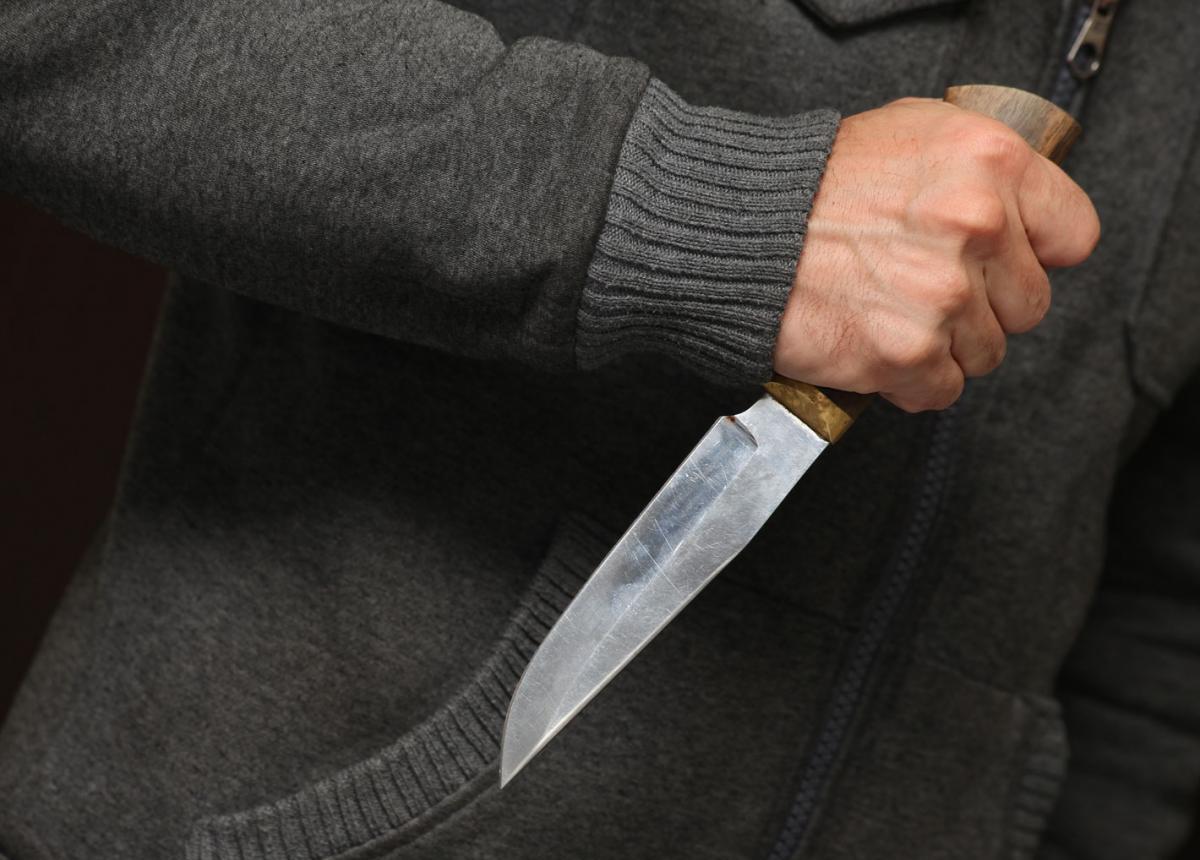 """У Луцьку чоловік ножем порізав обличчя """"самооборонівцю"""". ФОТО"""