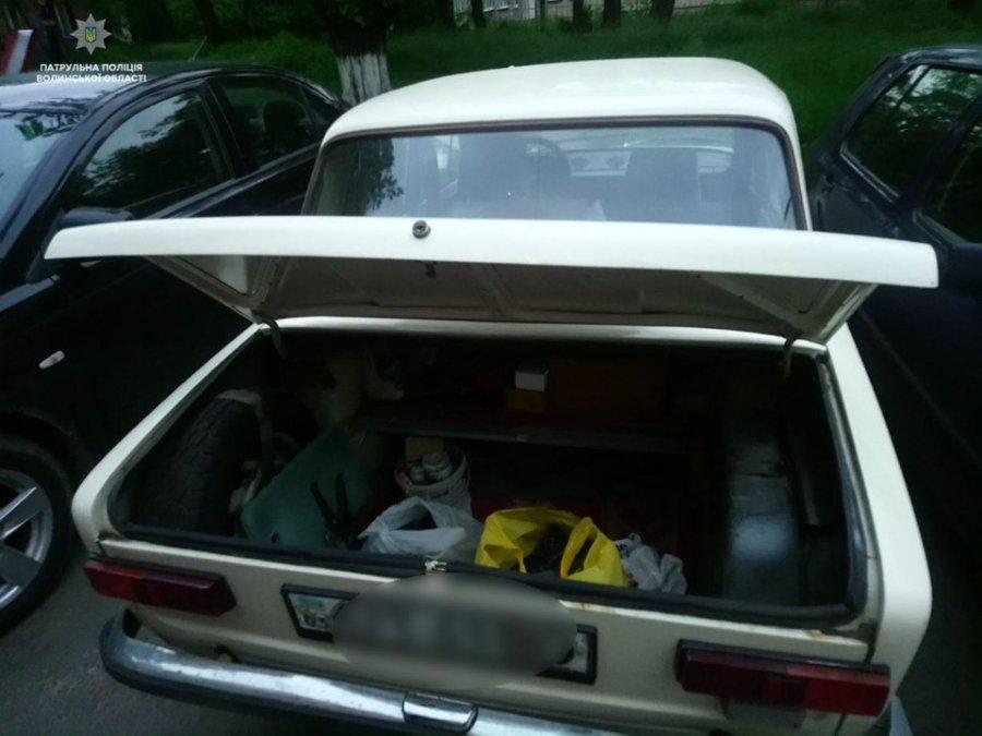 """У Луцьку """"на гарячому"""" зловили двох автомобільних крадіїв. ФОТО"""