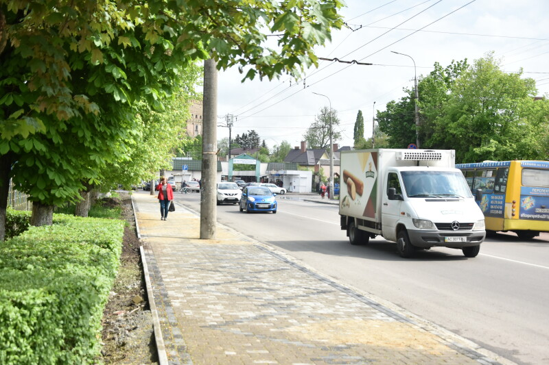 """Як у Луцьку """"прокачали"""" тротуари біля Старогу ринку. ФОТО"""