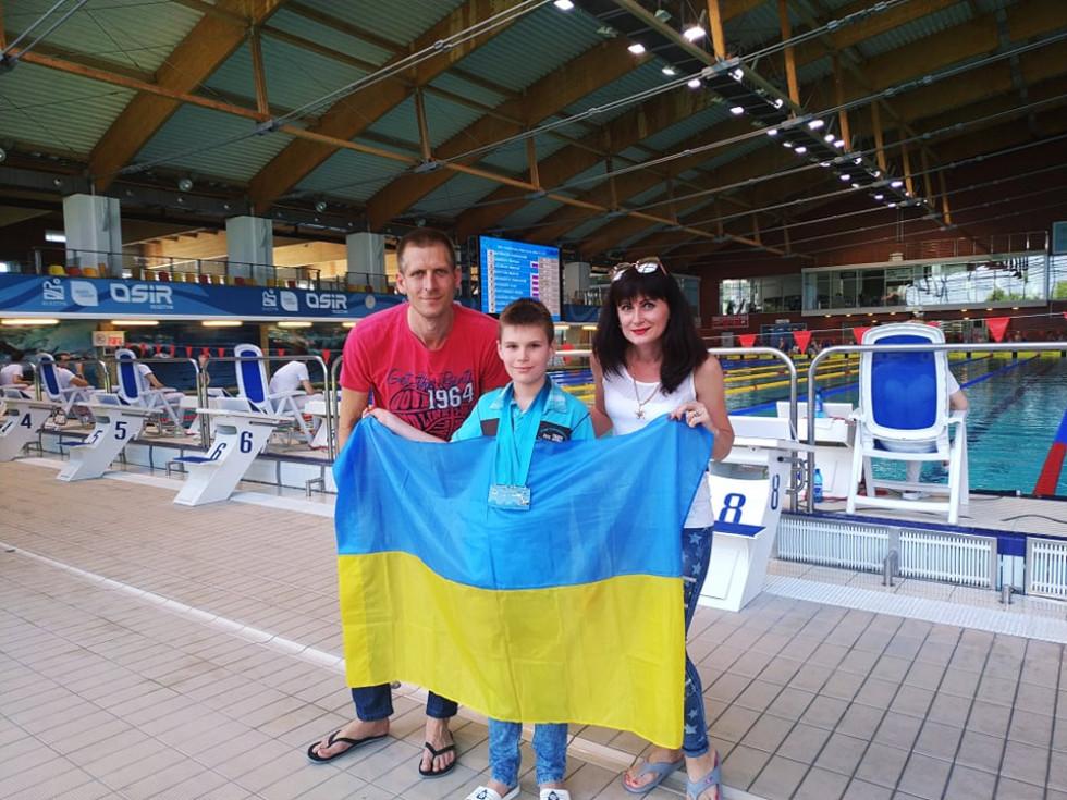 Юний лучанин привіз зі змагань в Польщі 6 золотих медалей. ФОТО