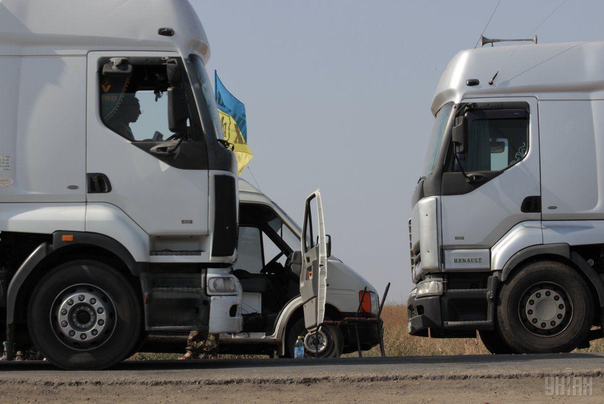 """На """"Ягодині"""" піймали 6 вантажівок з контрабандою на понад 2 мільйони гривень"""
