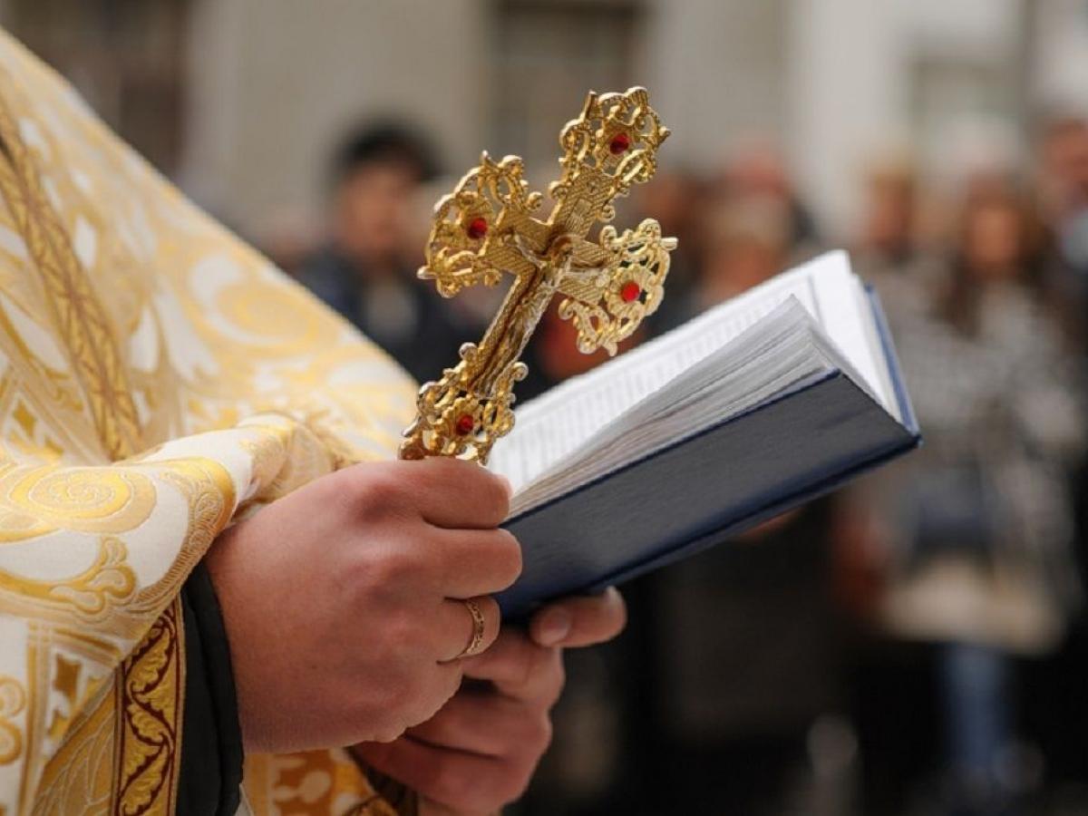 """В УПЦ МП заборонили причащати священнику з Горохівщини, бо """"ухилився в розкол"""""""