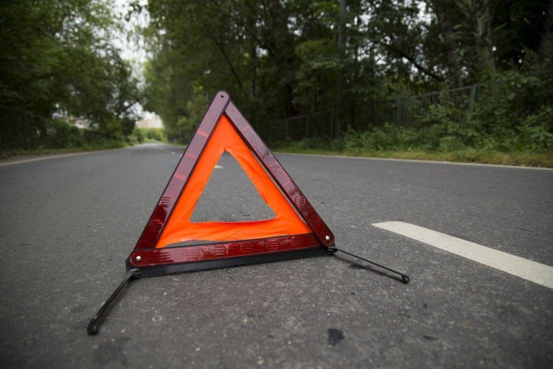 """На Волині – смертельна ДТП: п'яний чоловік на """"Opel"""" влетів у пішохода"""
