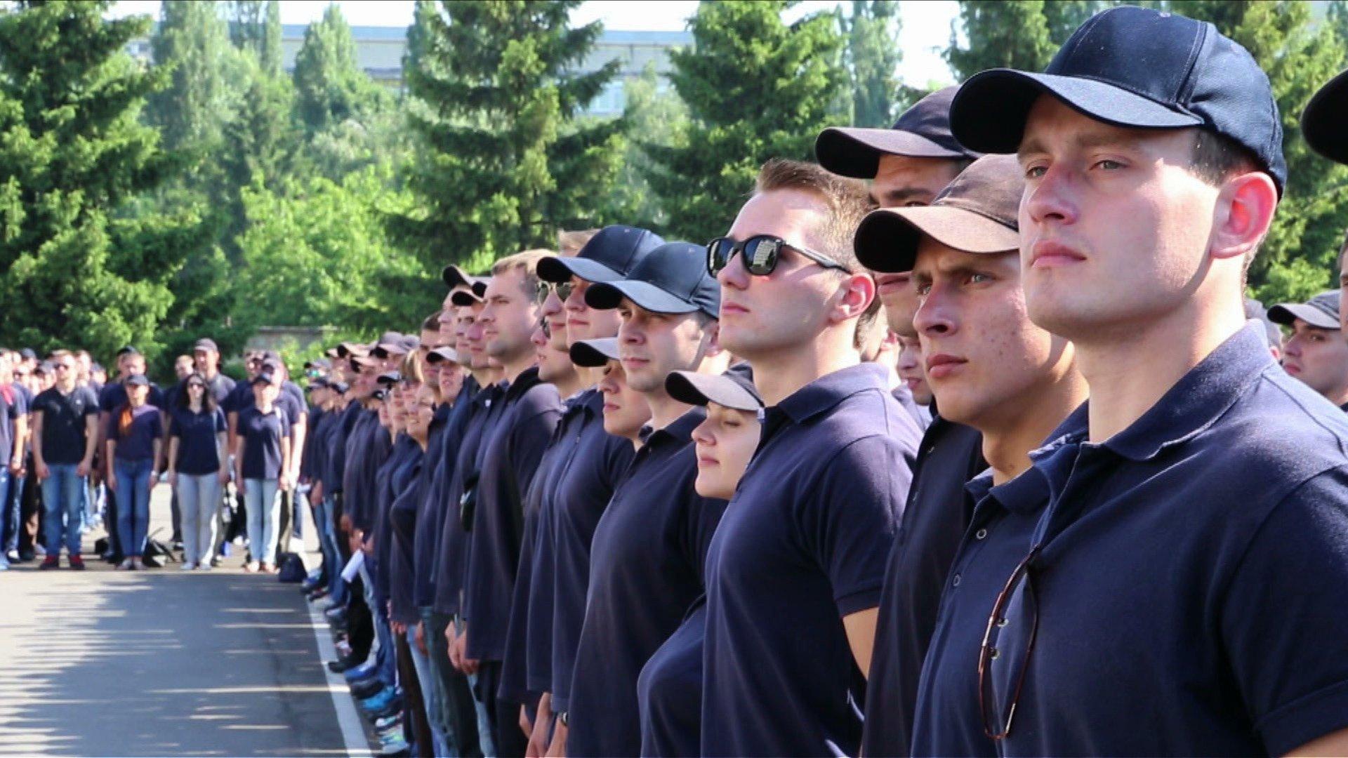 На Волині людей кличуть іти на роботу в поліцію. Пропонують зарплату від 10 000 гривень
