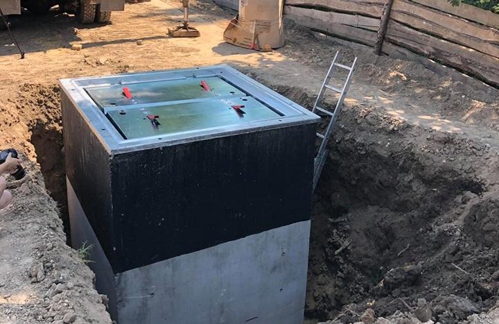 У Луцьку встановили перший підземний смітник. Як він працює