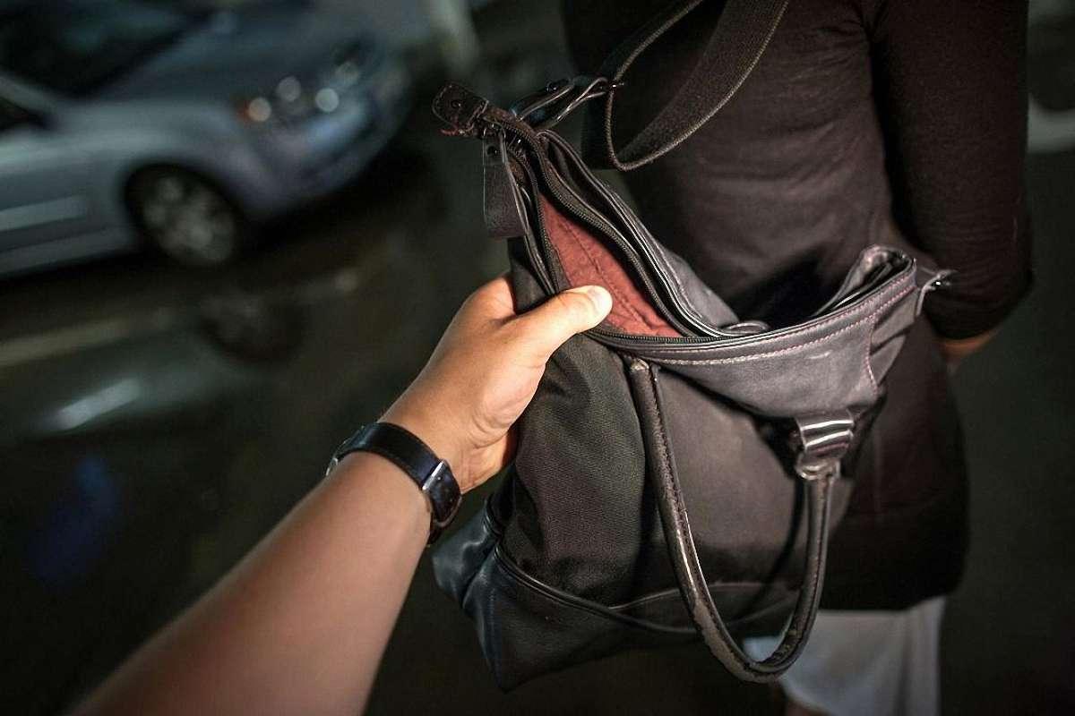 На Волині піймали грабіжника, який видер у чоловіка рюкзак з грошима