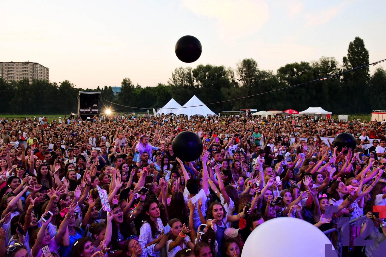 Як влаштувати багатотисячний концерт в Луцьку: один день з організаторами. ФОТО