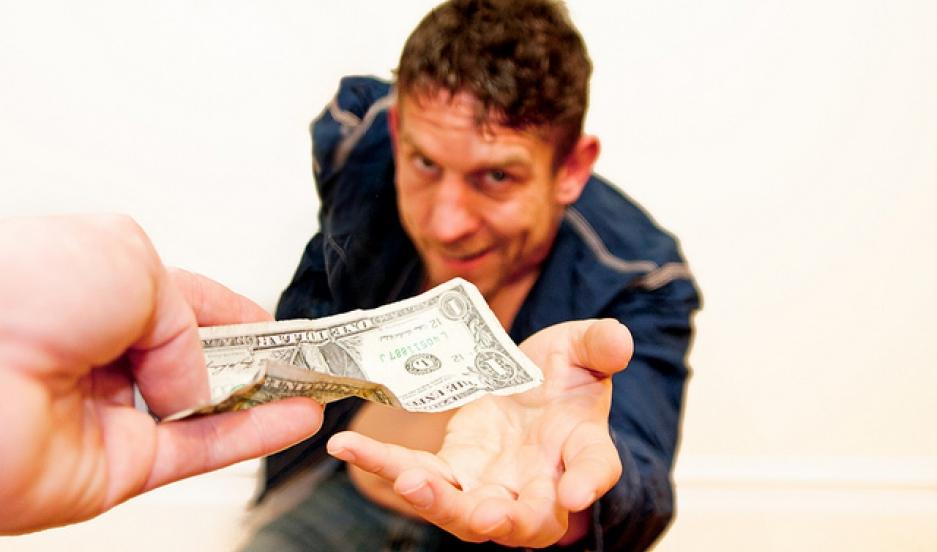 Кличуть на роботу: шахраї придумали креативну схему, як здерти гроші з волинян