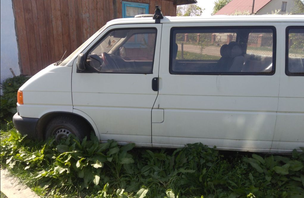 На Камінь-Каширщині бус збив 6-річного хлопчика. Дитину забрали в лікарню
