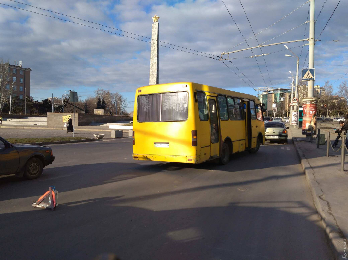 У Луцьку ВАЗ влетів у маршрутку. Водій та пасажир втекли