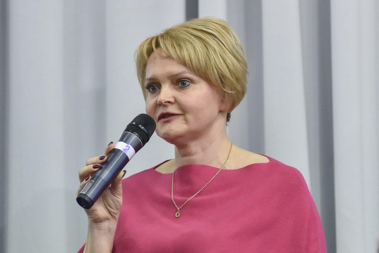 Олена Твердохліб іде в народні депутати