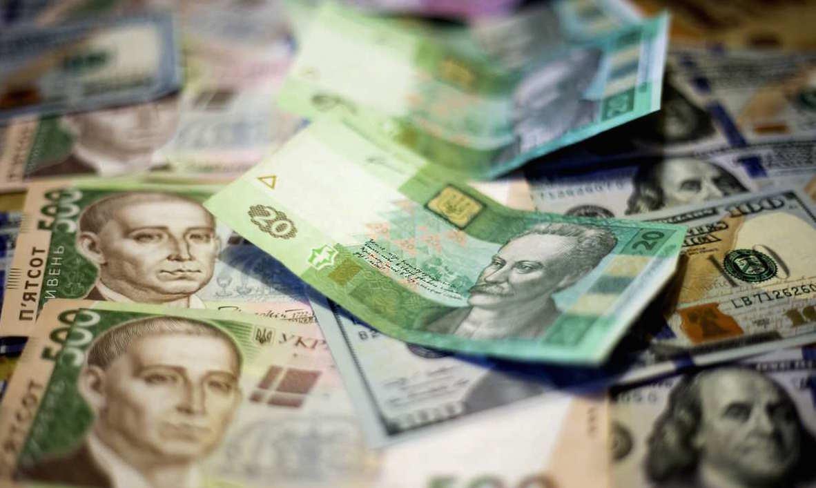 Долар й далі падає, а євро – летить вгору: курс валют у Луцьку 20 травня