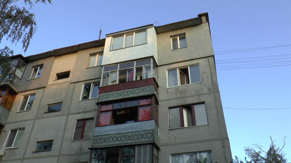 З вікна багатоповерхівки у Луцьку випала 11-місячна дитина