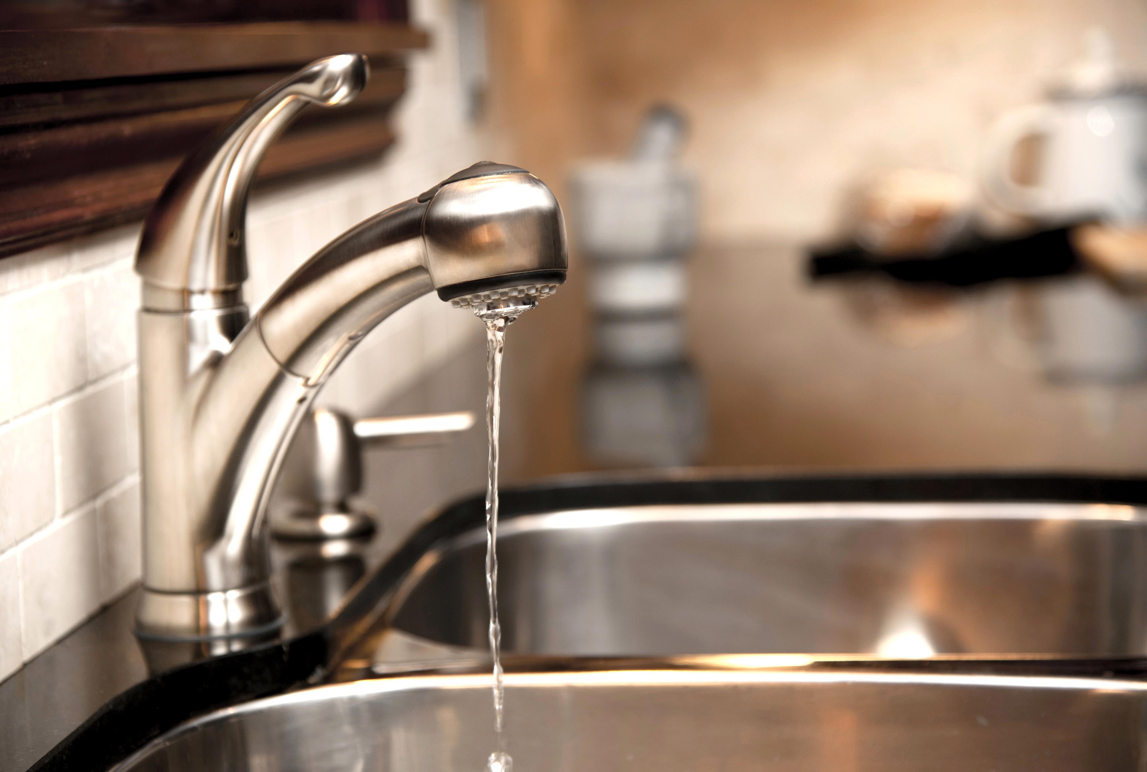 На кількох вулицях Луцька людям відключать воду