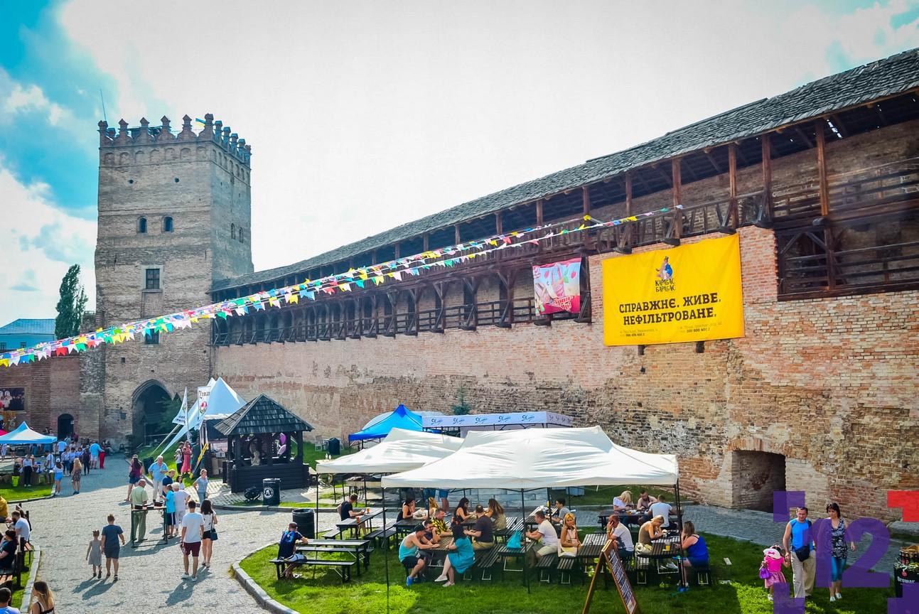 Фестиваль пива та м'яса у Луцькому замку: як це було. ФОТОРЕПОТАЖ
