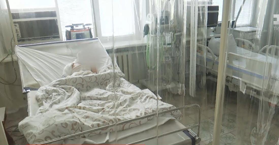 Стан важкий, обпечено 20% тіла: на Волині 5-річний хлопчик вилив  бензин  у багаття. ВІДЕО