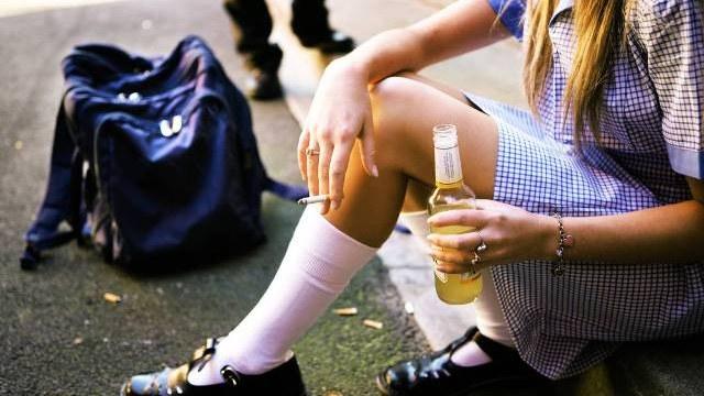 У Луцьку 16-річна дівчина впала в кому через алкоголь