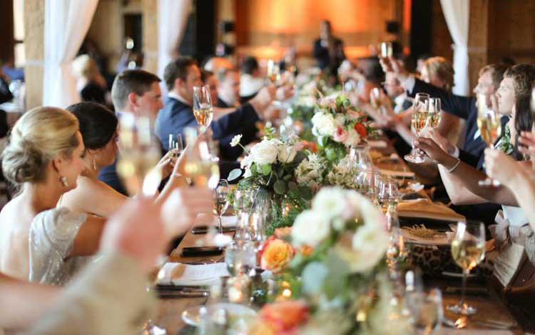 Волиняни потруїлися на весіллі у кафе