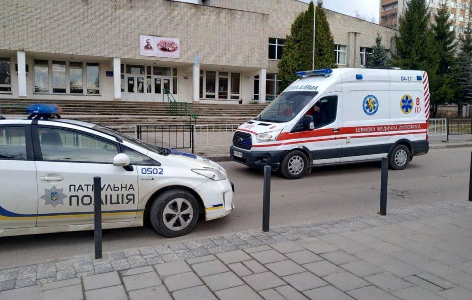 На Волині п'яний водій  збив 15-річну  дівчину. Її забрали в лікарню