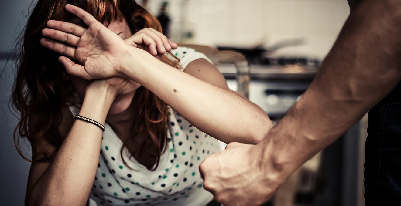На Волині чоловік напав на жінку і намагався її зґвалтувати
