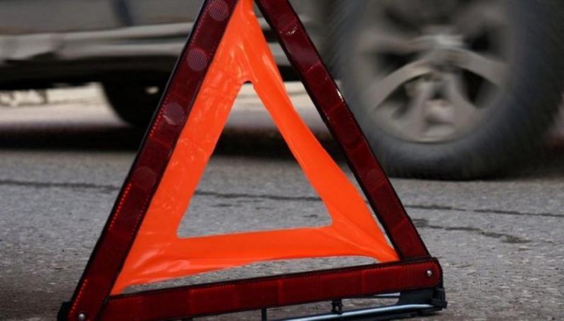 На Волині мінівен в'їхав у скутер: 25-річну жінку забрали у лікарню