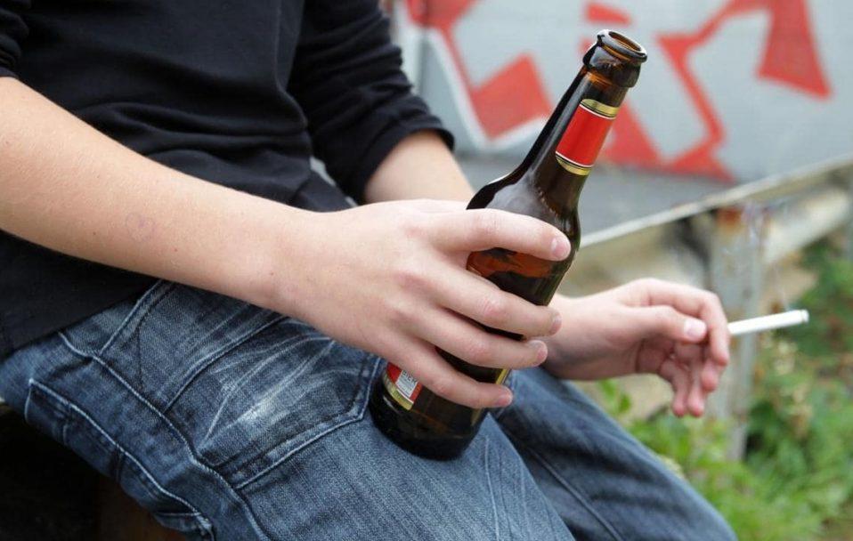 У Ковелі зловили семикласника, який посеред ночі розпивав спиртне