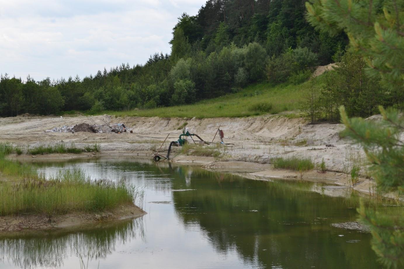Пішов купатися у кар'єр: на Волині втопився 10-річний хлопчик