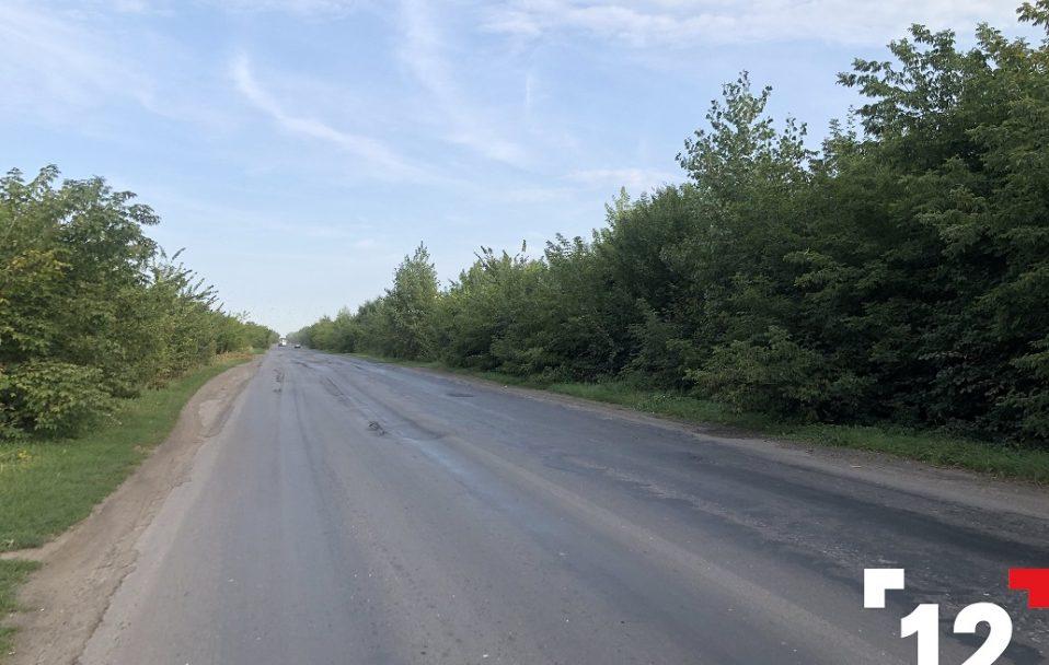 """""""5 кілометрів жаху"""": показали розбиту ділянку дороги Луцьк-Дубно. ФОТО. ВІДЕО"""