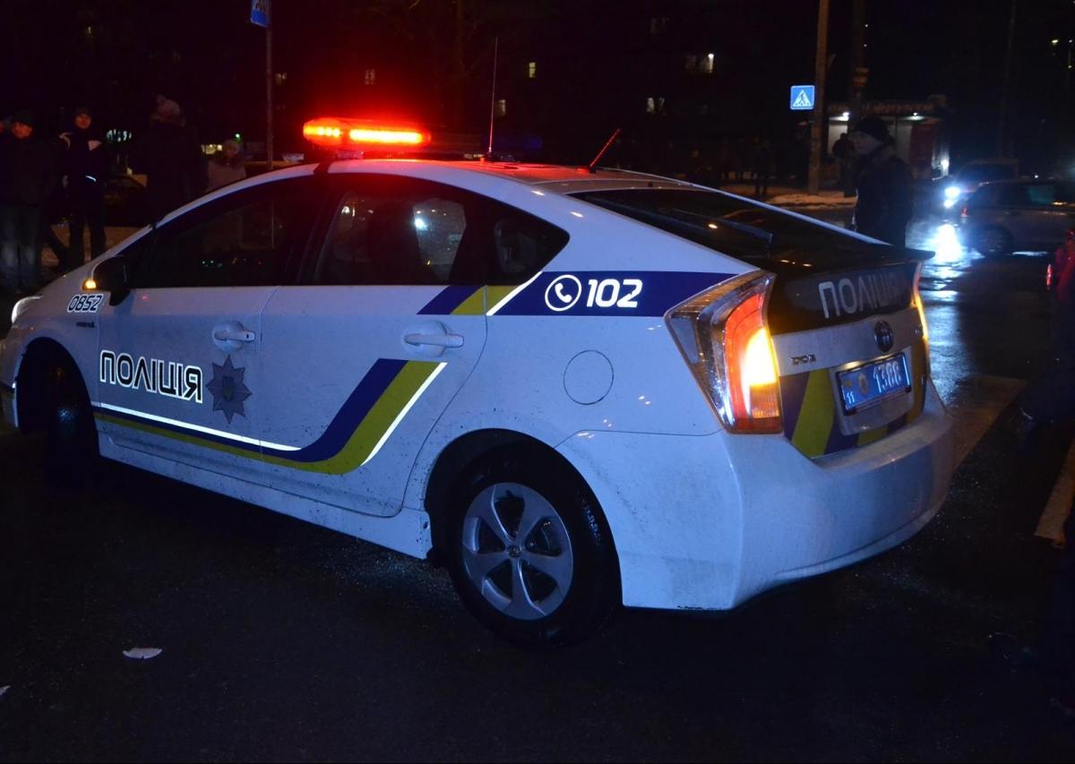 Посеред ночі на Волині п'яний водій побив поліцейського